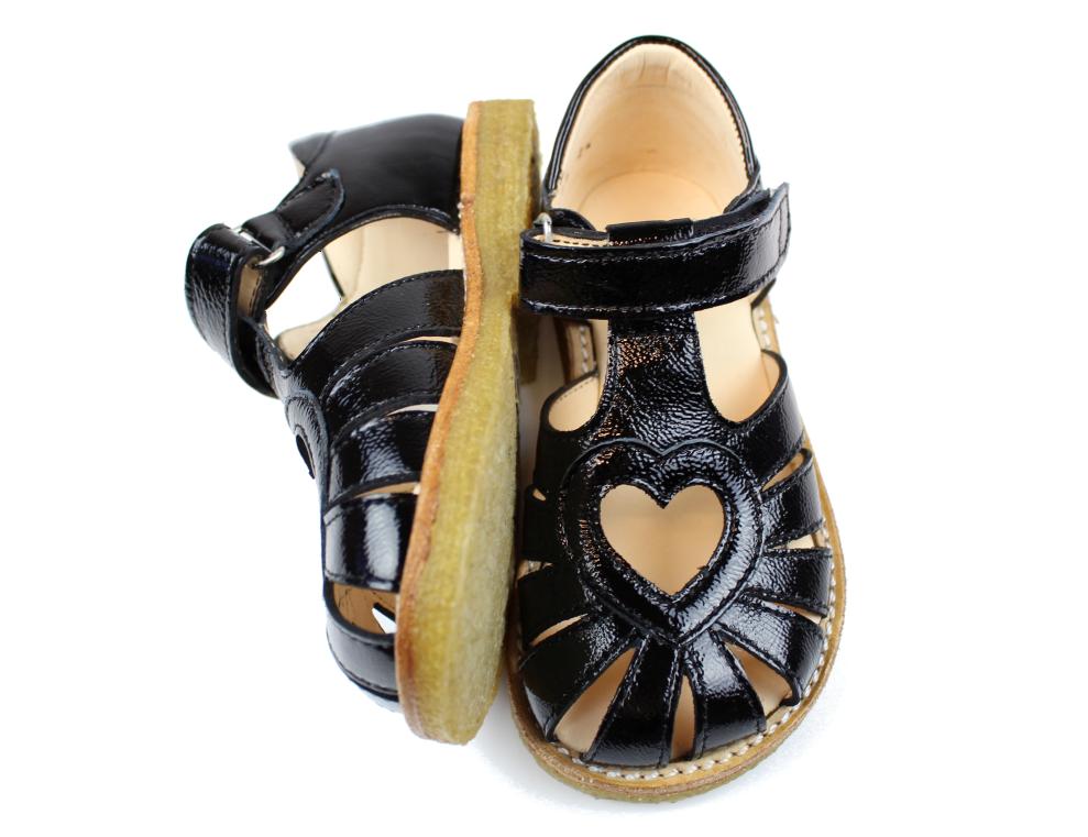8c1e4236a6e0 ... 44dd7ff8bb1c6 Angulus sandal sort lak med hjerte 5186 black str.