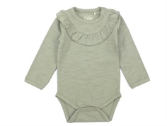 Petit by Sofie Schnoor body dusty green med flæse