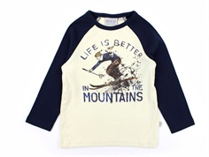Wheat t-shirt eggshell skiing