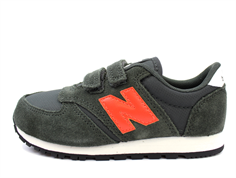 New Balance sneaker dark green/dark orange med velcro