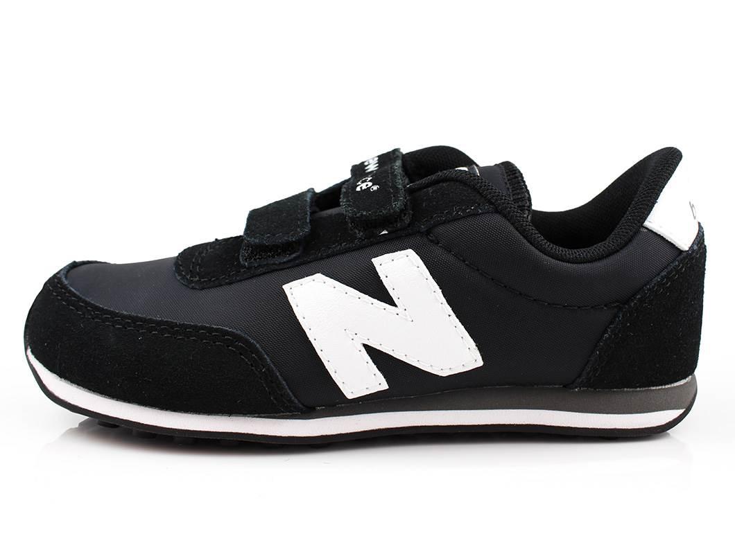 c4b40fbb59c8 SS19. New Balance sneaker sort med ...